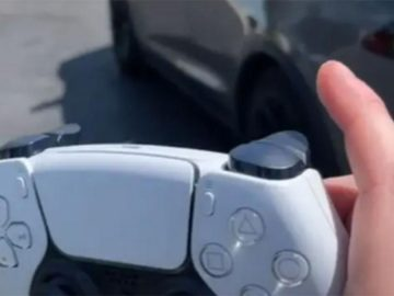 He claims to be able to drive his Tesla with the PS5 DualSense controller