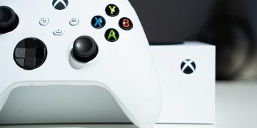 Xbox Cloud Gaming extends to consoles: you can play next gen games like The Medium or Flight Simulator on Xbox One